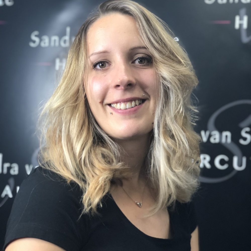 Haircut Bergen Salon Mitarbeiter Pia
